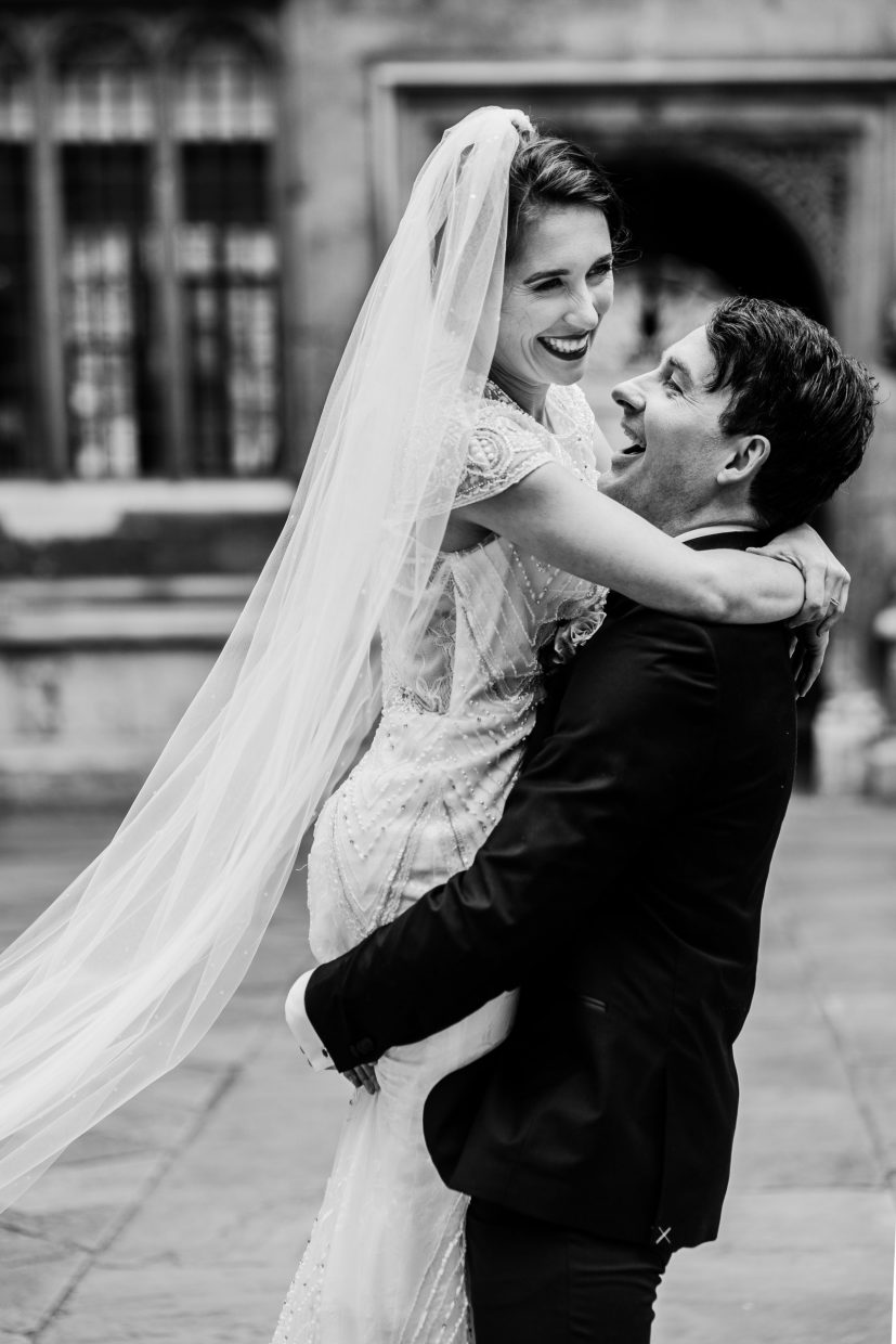 Bride and groom at the Bodleian Libraries, Oxford